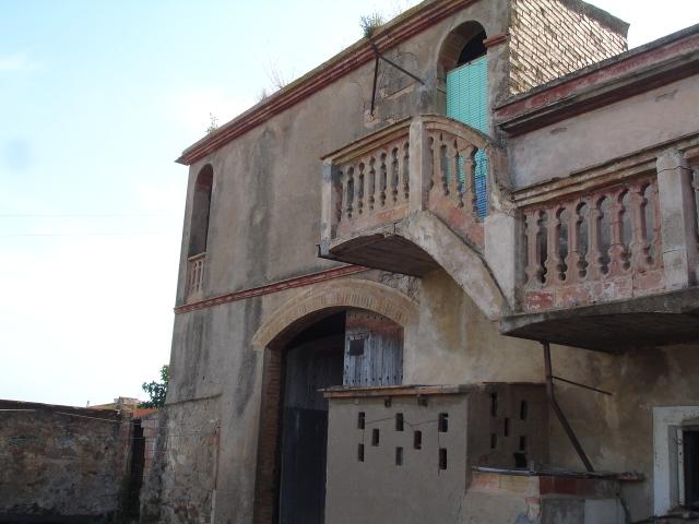Masia del 1800 en vilamacolum conserva las bovedas for Inmobiliaria 4 arcos